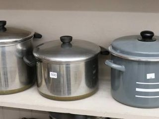 GROUP OF POTS  ONE AlUMINUM