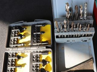 2 PARTIAl SETS OF DRIll BITS AND ROUTER BITS