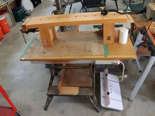 WOODEN WORK TABlE WITH VERITAS ClAMP AND GROZ