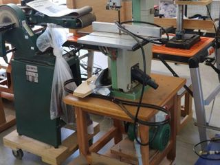 INCA 10  BANDSAW 240V WITH STAND AND BlADES
