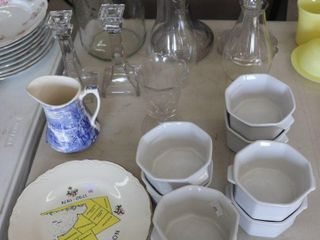 GROUP OF GlASSWARE AND OIl lAMP BASES