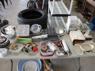 lARGE GROUP OF COOKWARE  APPlIANCES ETC