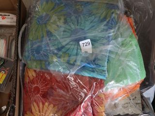 BAG OF ASSORTED TABlE ClOTHS ETC