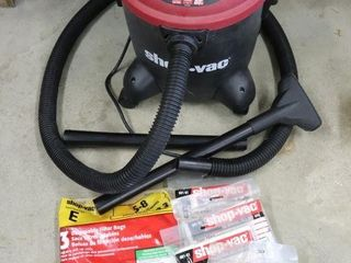 5 GAl SHOP VAC WITH BAGS