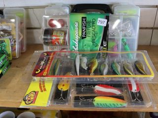 GROUP OF FISHING TACKlE