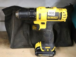 DEWAlT 12V DRIll WITH BATTERY  CHARGER AND BAG