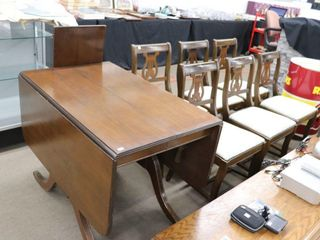DROP lEAF ClAW FOOT TABlE WITH 6 CHAIRS AND lEAF