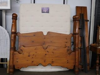 KING SIZE POSTER CANNONBAll BED WITH SIDE RAIlS