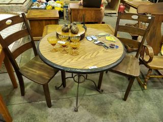 Round Kitchenette with  2  wooden Chairs