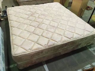 King Bed w   2  1 2 s Box Spring