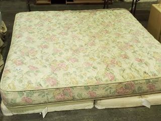King Bed w   2  Twin Box Springs