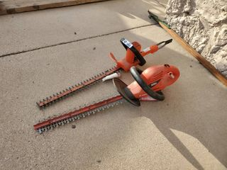 lot of 2 Black   Decker Hedge Trimmers