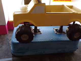 FORD BIG FOOT TRUCK RIDE MACHINE   All ORIGINAl EXCEPT HAS NEW MOTOR   WORKS GREAT