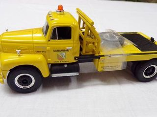 DIE CAST TRUCK   SUBURBAN lIGHT AND POWER