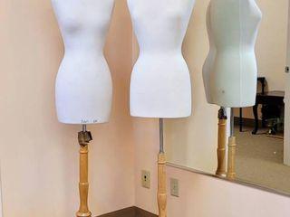 2 Mannequins