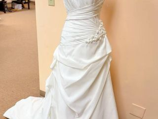 Sample Wedding Gown Aire Collection Sz 10