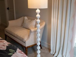 59  Stacked Ball Floor lamp  Retail 89 98