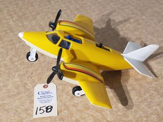 Tonka plastic airplane with retractable wheels