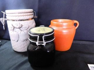 Stoneware Pitcher w lid