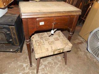 Singer Sewing Machine in Case  Bench
