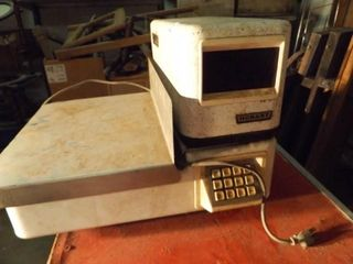 Hobart Electric Grocery Scale   Used