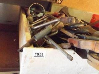 Hand Tools  Saws  Variety   1 Box