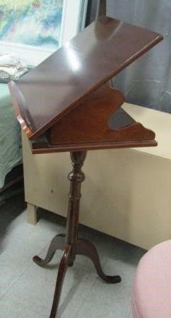 Pedestal Book Music Sheet Stand
