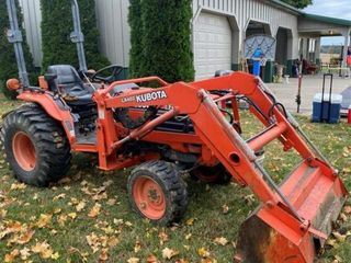 2002 Kubota B2910 with Loader (LA402)