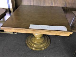 Home Meridian Single Pedistal Table