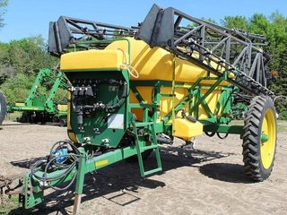 Redball 670 PT Sprayer, 1200 Gal Poly Tank, 80' Booms, 4 Sections, 3-Way Nozzles