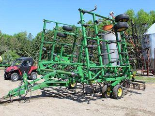 John Deere 2210LL Field Cultivator, 34.5', 200# Shanks, 2 Bar Harrow, Rolling Baskets,