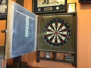 Dart Board w  Case   24 x 32