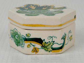 Mason s Chartreuse England Dresser Box