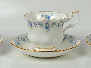 3 Royal Albert Memory lane Cups   Saucers