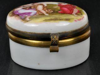 Continental Pill Box