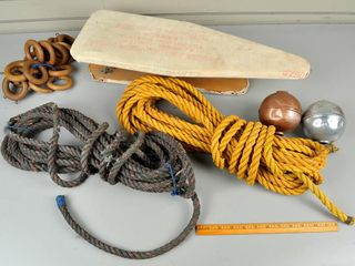 Assorted lot with Rope