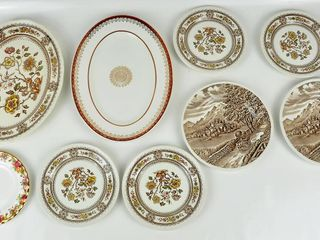8 Plates   Platters with Old Country Roses