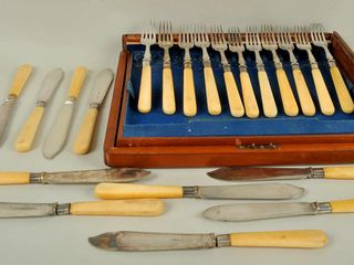 Fish Service Cutlery in Wooden Case