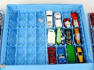 Hot Wheels in Carrying Case