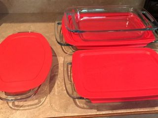 4 Pyrex Baking Pans With 3 lids