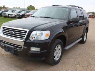 2010 Ford Explorer XLT 4x4 - 2 Owners