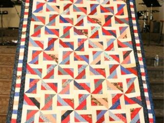 Brilliant Swirl  custom machine quilted