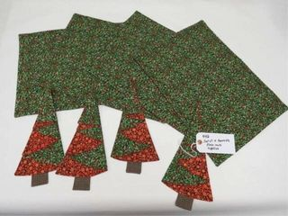 Reversible placemats   napkins   Holly   Berries