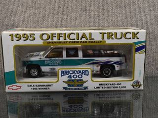 Vintage NIB Dale Earnhardt 1995 Brickyard 400 Winner Die Cast Car   Brookfield Collectors Guild   limited Edition of 5000   1 25 Scale