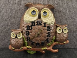 Vintage 1974 Arnel s Battery Operated Owls On a Branch Clock