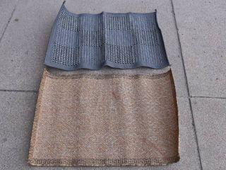 lot of 2 Area Rugs Indoor Outdoor Grayish Black   Tannish Brown   23  x 33