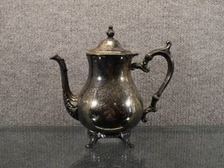 Vintage W M  Rogers 800 Silver Plated Hinged lidded Tea Pot   10  Tall