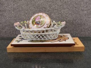 lot of 4 Vintage Home Decor Items   Ceramic Trivet  Wood Molds  Trinket Box   Basket   Trinket Box Marked S8087 On Bottom