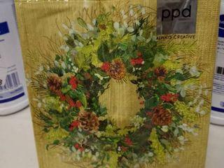 yule tide wreath napkins