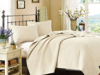 Hampton Hill Velvet Touch Ivory Coverlet Set Retail 164 99